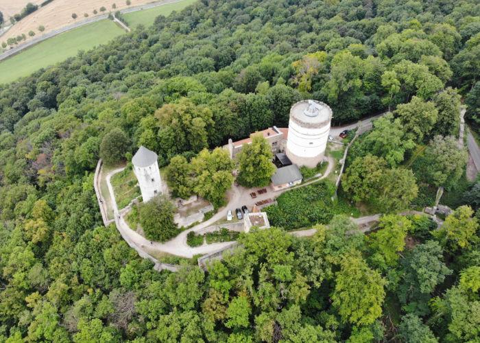 Luftaufnahme der Burg Plesse